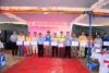 Lãnh đạo TCT tặng quà cho các đơn vị thi công tại Lễ phát động thi đua