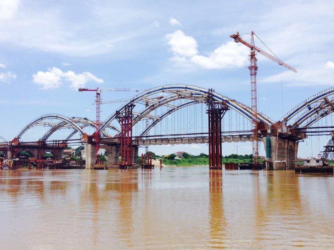 Cây cầu Đông Trù hiện đại đã dần hình thành dưới bàn tay thợ cầu CIENCO1