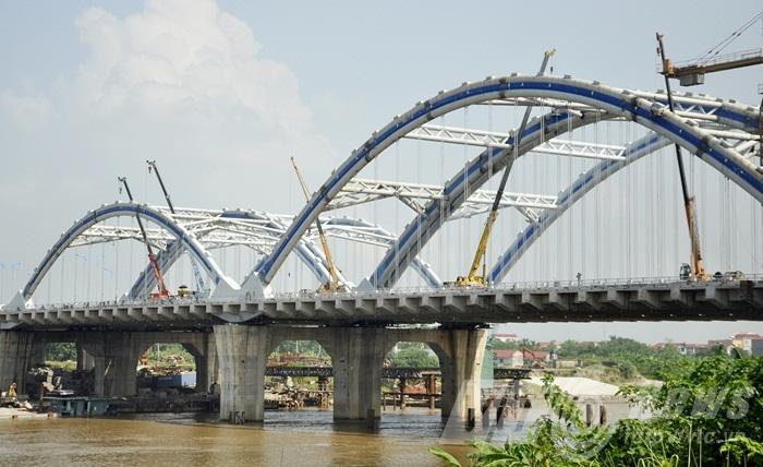Cầu vòm ống thép nhồi bê tông lớn nhất Việt Nam trước ngày thông xe