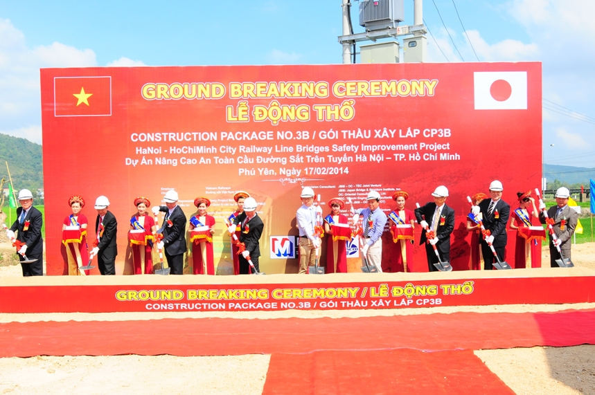 Động thổ gói thầu CP3B dự án nâng cao an toàn cầu đường sắt HN-TP Hồ Chí Minh