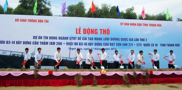 Lãnh đạo Bộ GTVT, tỉnh Thanh Hóa, các đơn vị liên quan động thổ xây dựng
