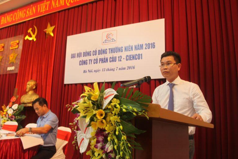 Ông Đinh Văn Thanh -Tổng giám đốc CIENCO1 kiêm Chủ tịch HĐQT Cty CP Cầu 12 phát biểu tại Đại hội
