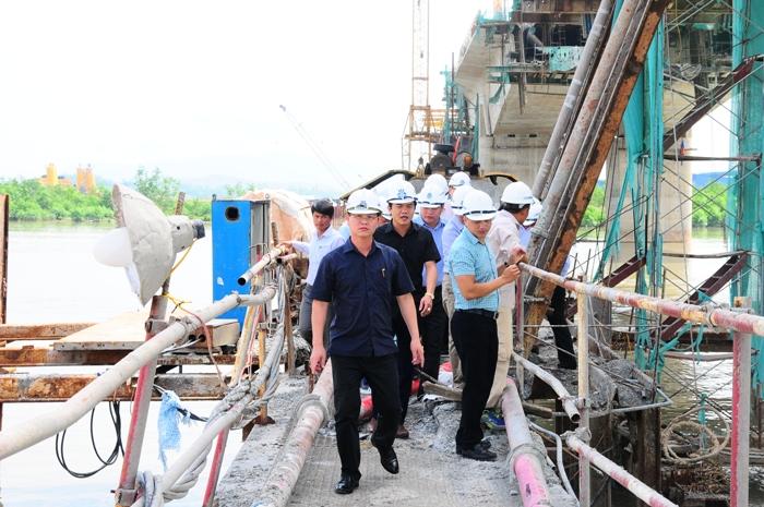 Tổng giám đốc Đinh Văn Thanh kiểm tra tiến độ gói thầu XL05 xây dựng cầu Sông Chanh