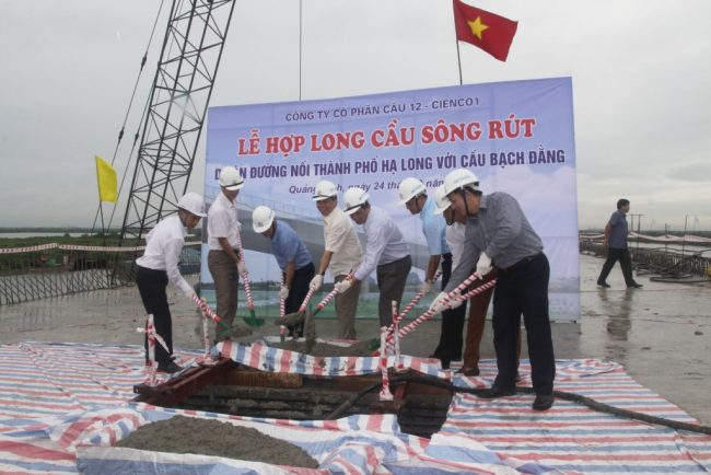 Hợp long cầu Sông Rút - Quảng Ninh