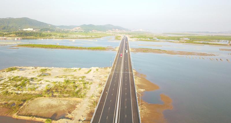 Sau khi cao tốc Hạ Long - Hải Phòng đưa vào khai thác, tuyến cao tốc Hạ Long - Vân Đồn sẽ hoàn thành và tiếp tục kết nối với cao tốc Vân Đồn - Móng Cái
