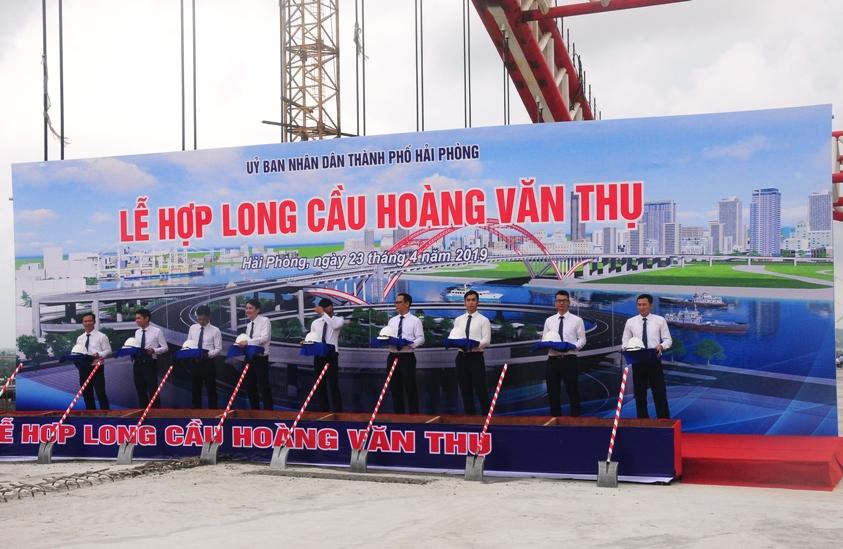 Cầu Hoàng Văn Thụ - ngày hợp long